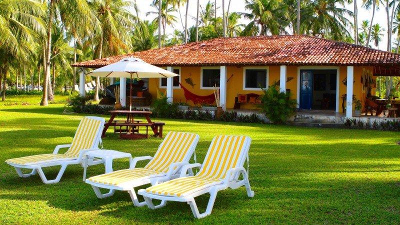igreja praia dos carneiros Piscinas naturais o que fazer onde ficar Pousada Hotel Restaurante Bora Bora Tamandaré Pernambuco