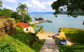Ilha de Anhatomirim Florianopolis Floripa Praia de Canasvieiras Veleiros da Ilha Governador Celso Ramos Ponte Hercílio Luz passeios de escuna Ilha de Santa Catarina