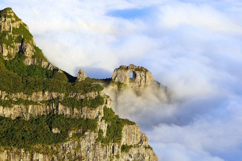 O que fazer em Urubici SC serra catarinense dicas trilhas cachoeiras onde ir hotel pousada restaurantes onde comer Morro da Igreja Pedra Furada passeios viagem turismo