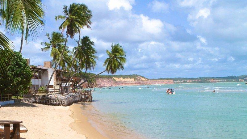 Praia de PIpa hotel passeios dicas nordeste praias o que fazer viagem turismo férias