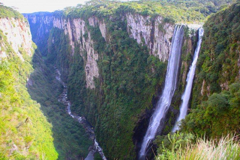 Aparados da Serra Cânion Itaimbezinho fotos trilhas trilha hotel Cambará do Sul Serra Gaúcha dicas cachoeiras