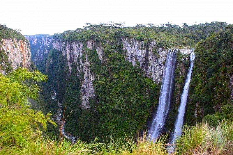 Cachoeiras Rio Grande do Sul pontos turísticos o que fazer lugares Brasil hotel Cambara do Sul aparados da serra