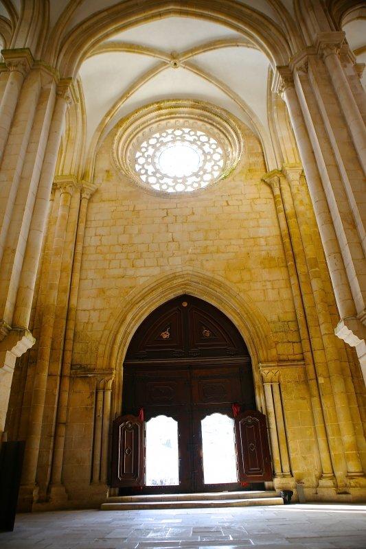 Visitar o Mosteiro de Alcobaça