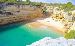 Paraísos escondidos no Algarve - Praias secretas no Algarve - Lugares escondidos no Algarve - Praias desertas no Algarve - Praias pouco frequentadas - Algarve escondido - Sítios a visitar no Algarve - Praias secretas Albufeira - Praias secretas Portimão - Praias secretas Lagos